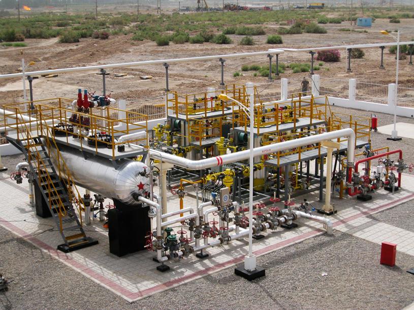 Oilfield associated gas dehydration device